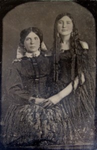 Olive Elizabeth Kennedy (on right). Courtesy of the collection of the Gorgas House Museum.
