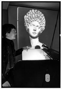 Robert Mellown teaching Roman art history about 1979-80. Photo by Professor emeritus Art Oakes.