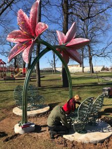 Sculpture by Amber Daum and Ringo Lisko installed at Monnish Park.